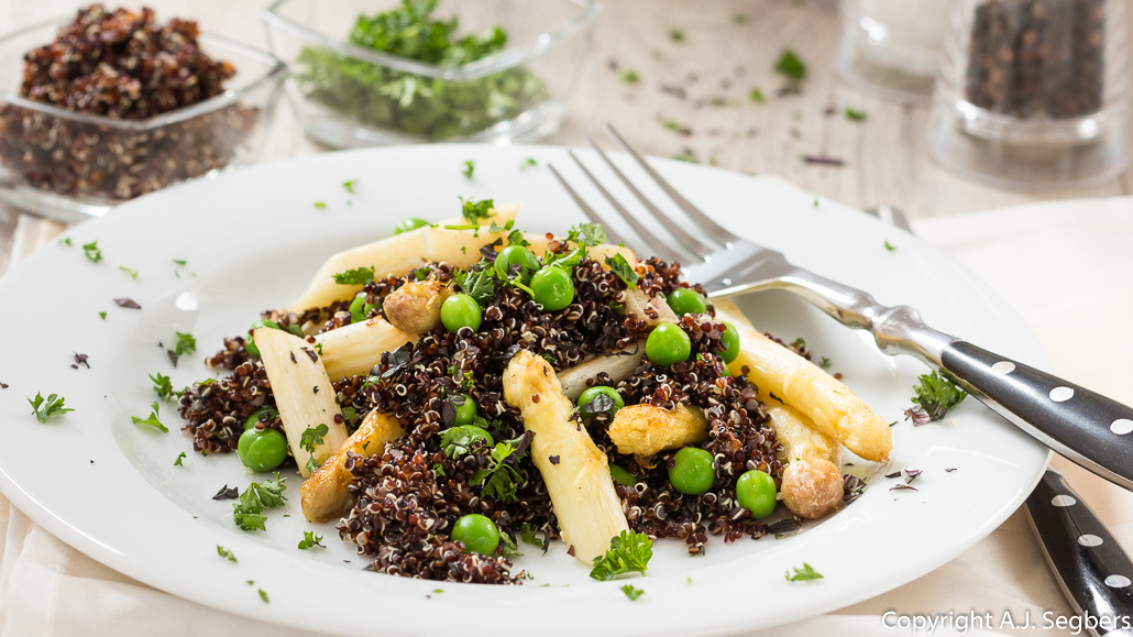 rezept quinoa salat mit spargel vegan gesund essen free. Black Bedroom Furniture Sets. Home Design Ideas